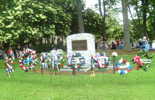 Area Residents Observe Memorial Day