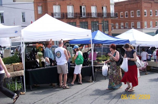 Councilors Consider Two Options For Farmers' Market